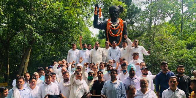 इनेलो ने श्रद्धा व हर्ष के साथ मनाया पूर्व प्रधानमंत्री चौधरी देवीलाल  का 107वां जन्मदिवस